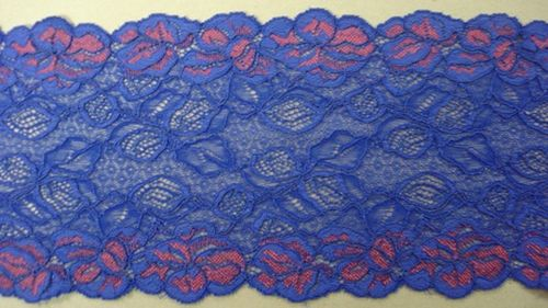 Knitted lace blauw